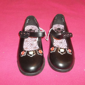 Hello Kitty Black Shoes Girls Size 13.5 NWOT